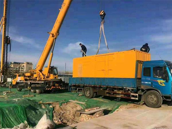 天津万科工程建设租赁一台大型静音发电机组